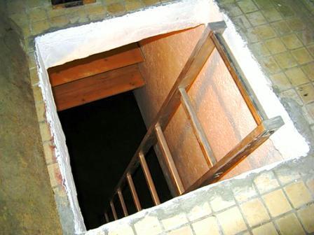 Предусматриваем лестницу в подвал