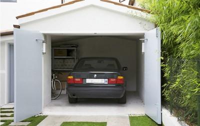 Распашные двери для гаража