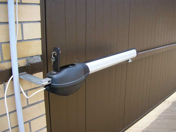 Установка электропривода гаражных ворот