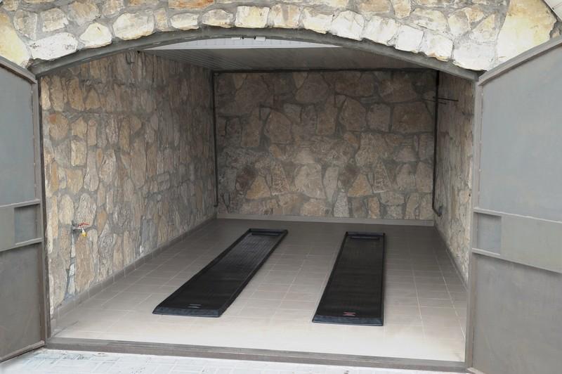 Материалы для покрытия бетонного пола в гараже
