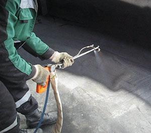 Нанесение жидкой резины в гараже