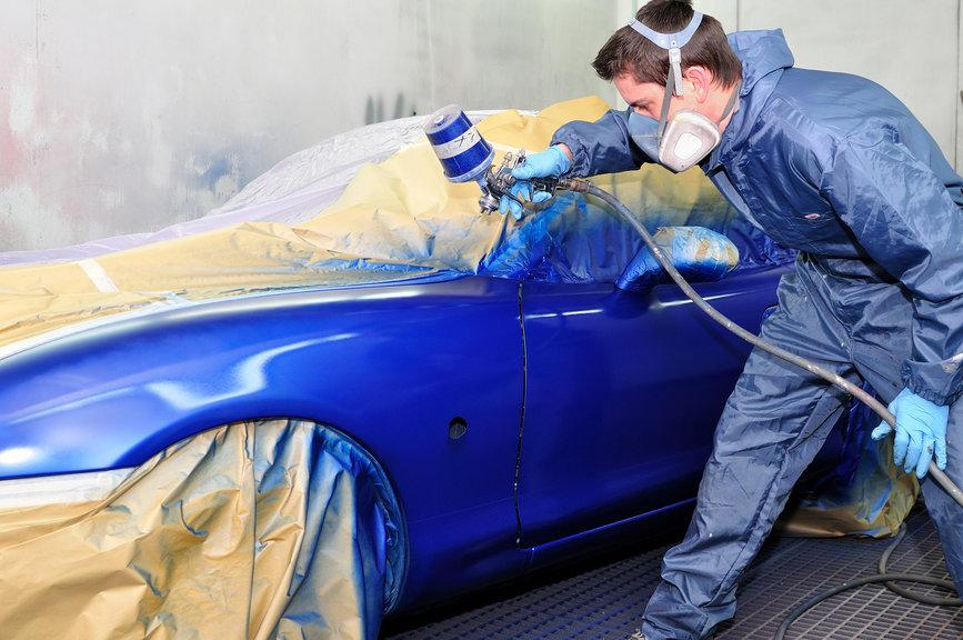 Наносим краску на автомобиль несколькими слоями