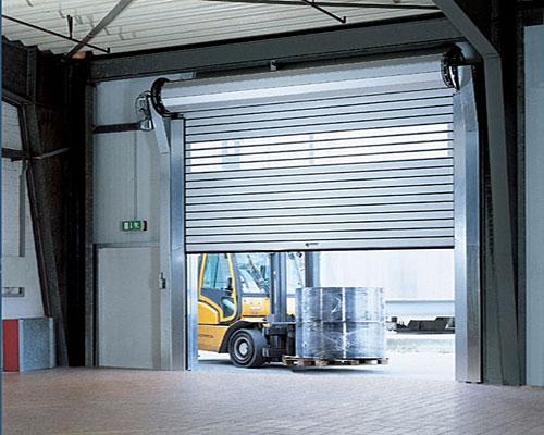 Применение рулонных ворот для гаража