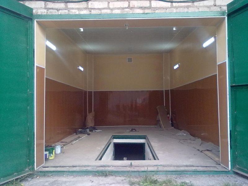 Пример отделки гаража вагонкой ПВХ