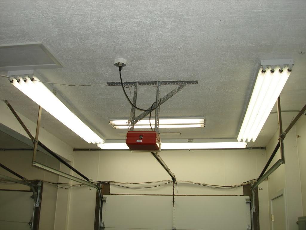 Вариант установки диодных светильников по периметру