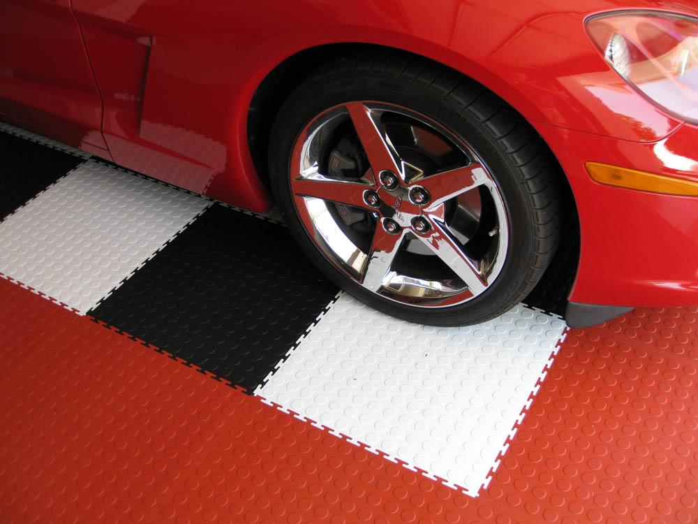 Модульная резиновая плитка для гаража