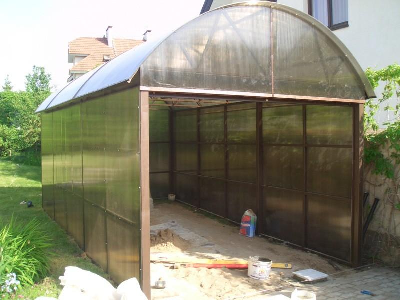 Постройка гаража из поликарбоната