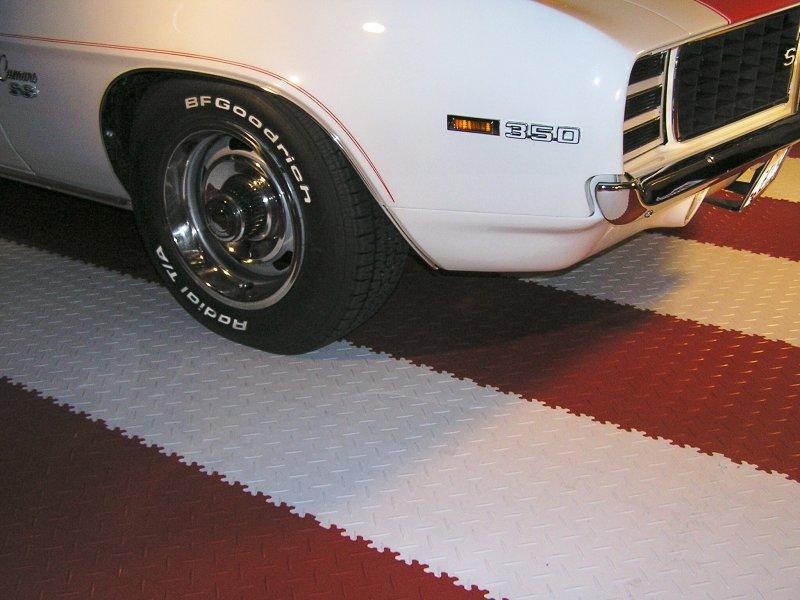 Пример резинового плиточного покрытия
