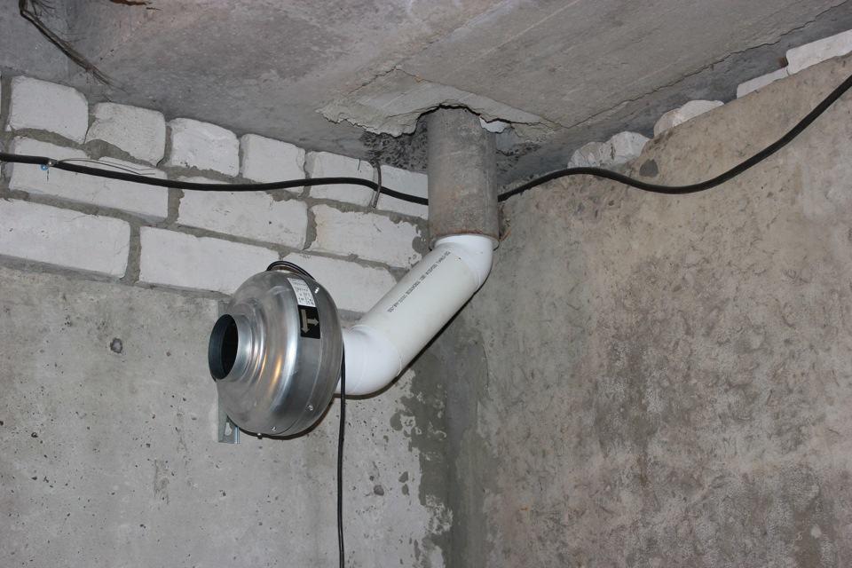 Пример установки вытяжного вентилятора в гараже