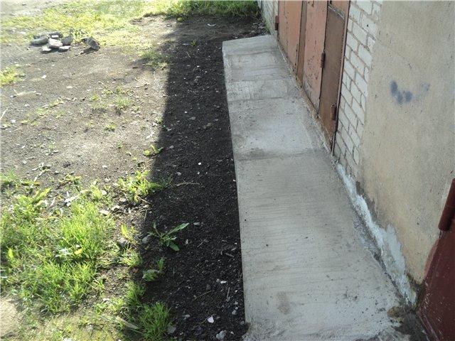 Создание бетонной отмостки для гаража
