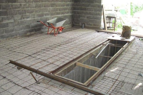 Делаем бетонный пол в гараже