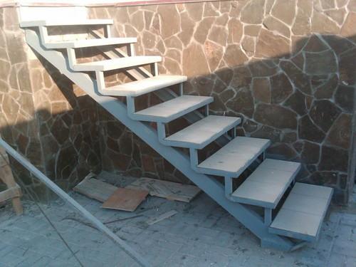 Лестница для гаража