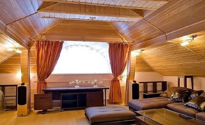 Оформление спальни в мансарде