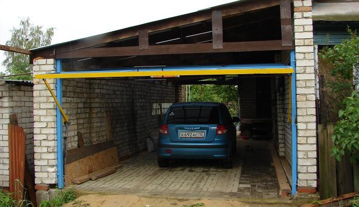 Подъемно-поворотные ворота для гаража