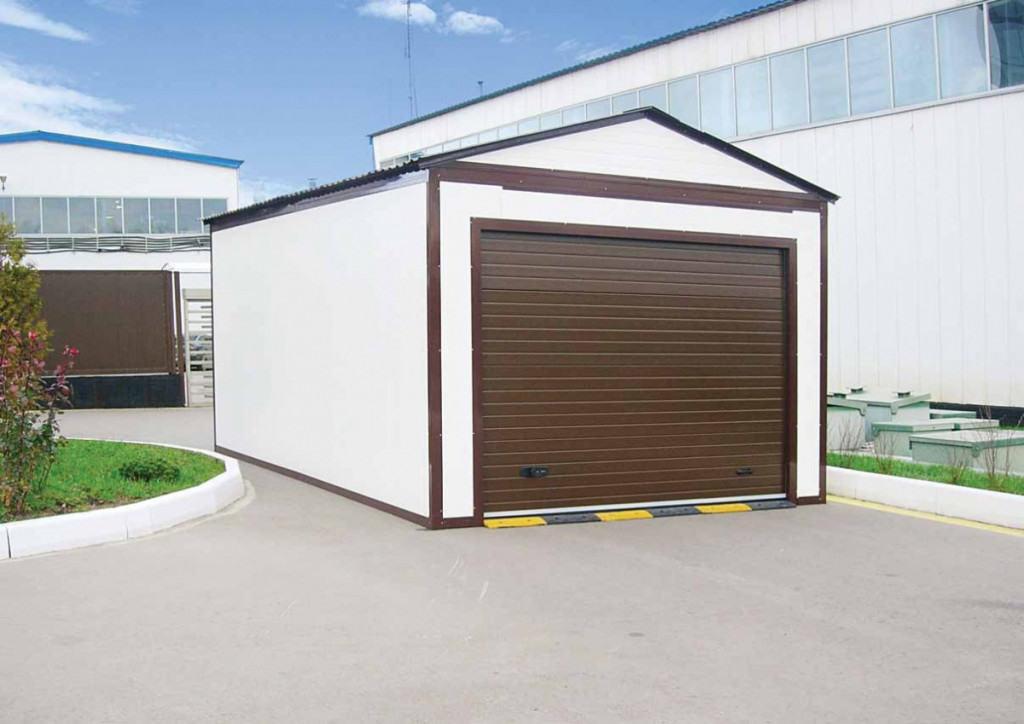 Пример гаража, построенного из сэндвич-панелей