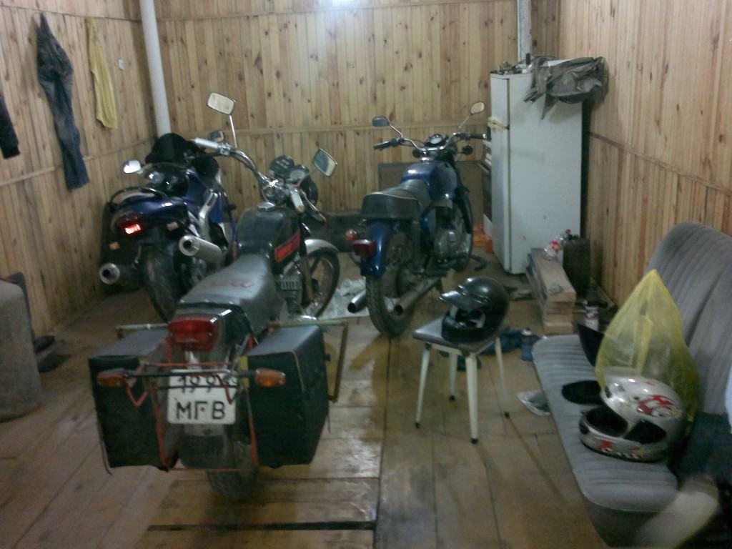 Где хранить мотоцикл если нет гаража