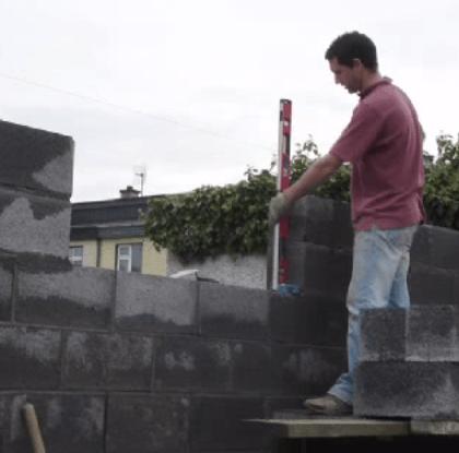 Контроль кладки стен