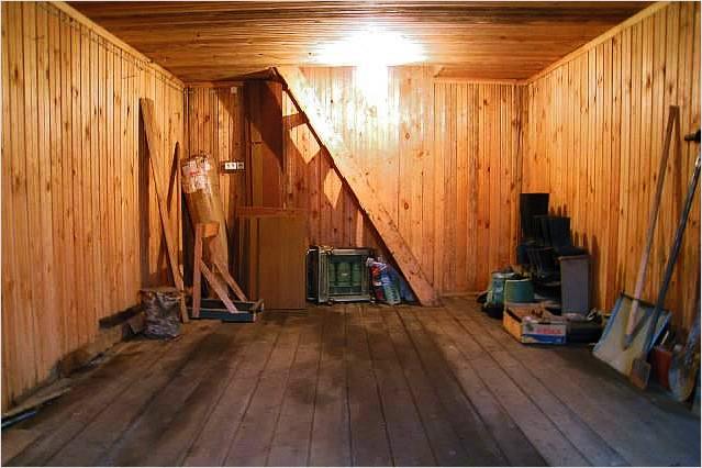 Лестница с гаража на мансарду