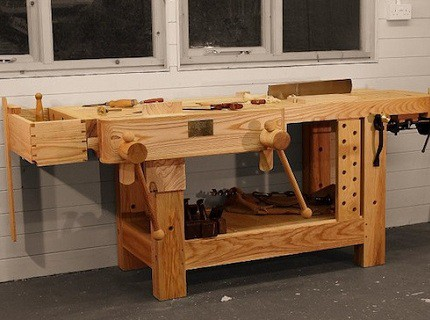 Универсальный стол для гаража