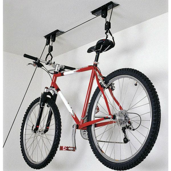 Фиксация велосипеда к потолку гаража