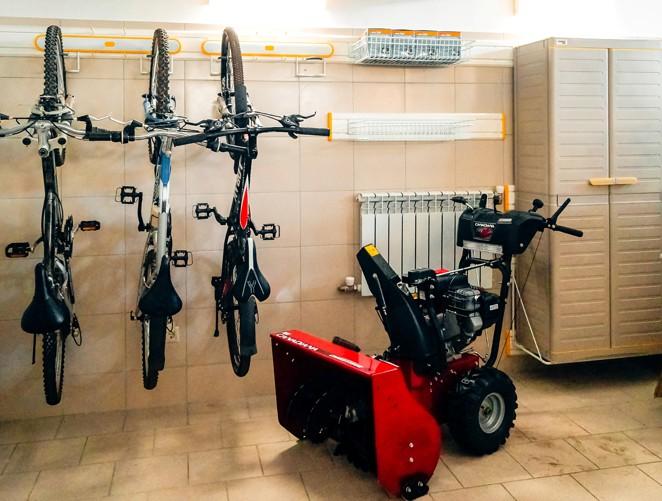 Крепление велосипедов за колесо