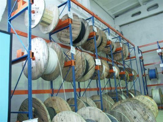 Консольный стеллаж для рулонных грузов