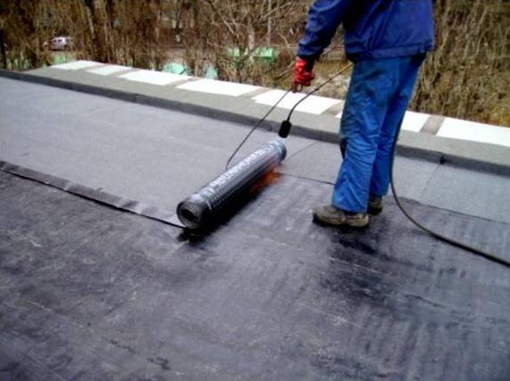 Устройство плоской односкатной крыши гаража.