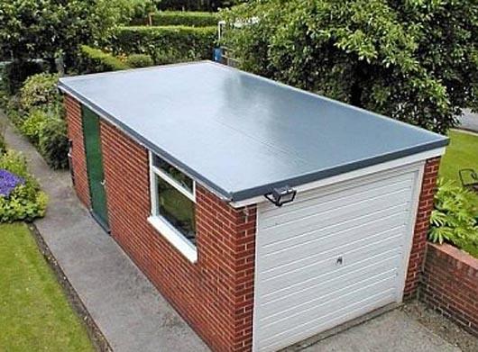 Кирпичный гараж с односкатной крышей