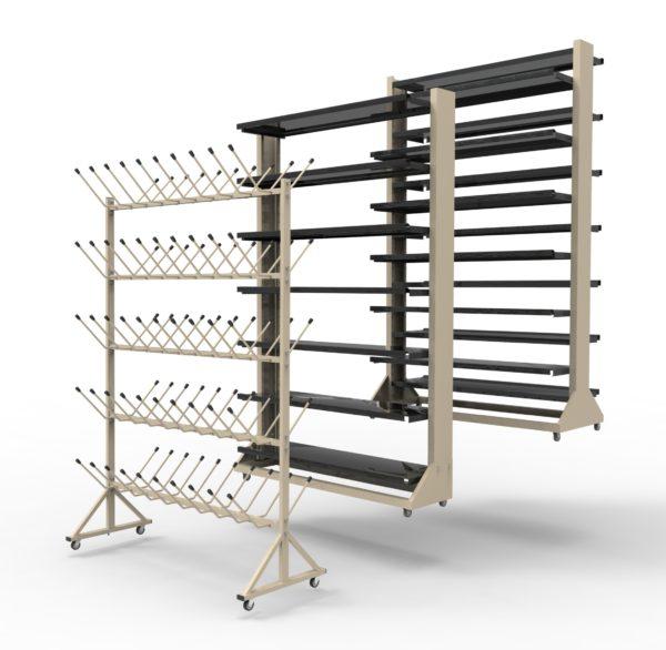 Различные типы колесных стеллажей для хранения инвентаря и оборудования.