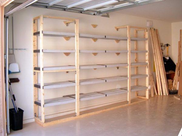 Фото деревянного стеллажа для шин и покрышек