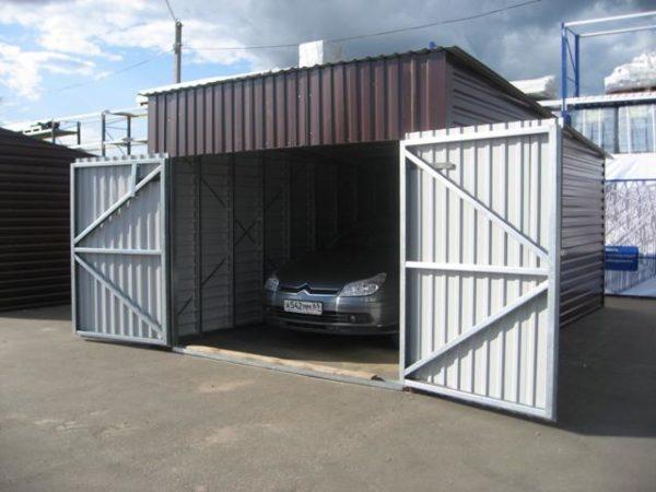 Для отдельностоящего гаража также существуют определенные нормативы.