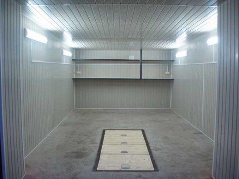 Панели из пластика внутри гаража