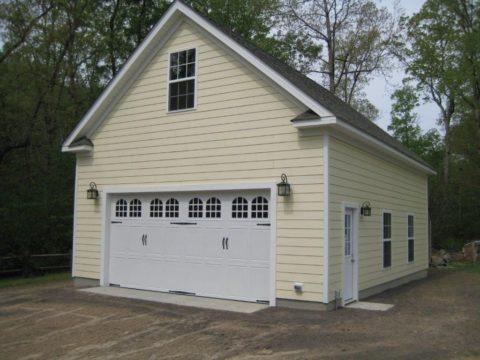Отделка гаража снаружи вагонкой «имитация бруса»
