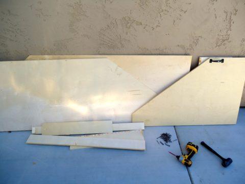 Материалы и инструменты для стеллажа