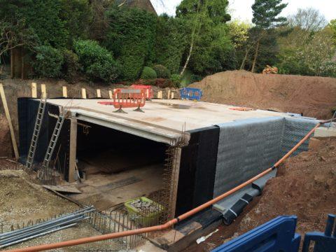 Начало строительства подземного гаража