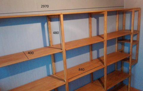 Размеры стеллажа определяются индивидуально в зависимости ваших потребностей и особенностей гаража