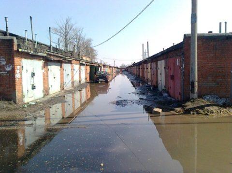 Каждую весну гаражи подтапливают грунтовые воды