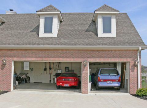 Удобный гараж на 2 машины