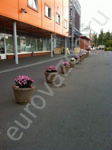 Серия уличных вазонов