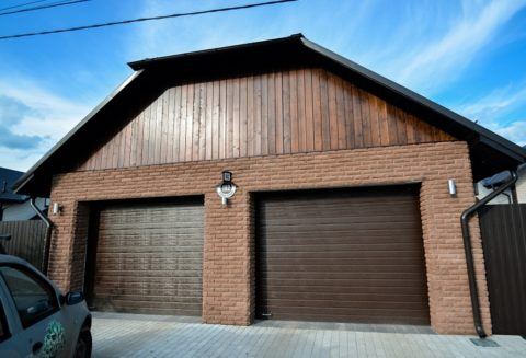 Комбинированная облицовка гаража