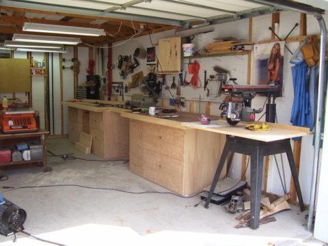Рабочая зона в гараже