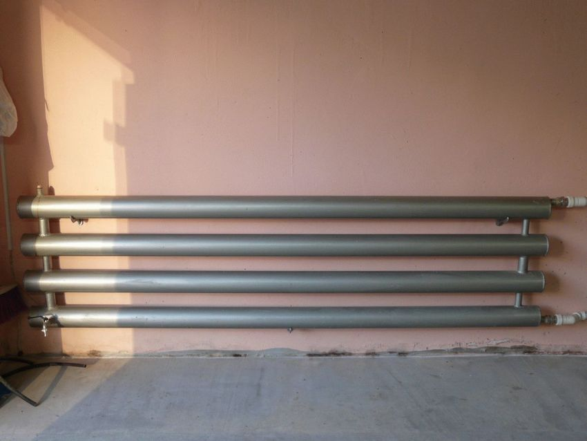 Проведенное в гараж отопление позволит круглый год использовать его в качестве мастерской