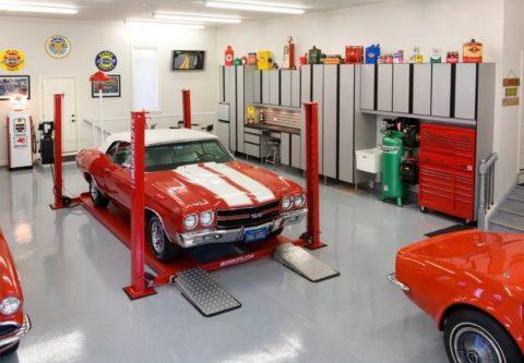 Подъемное устройство в гараже